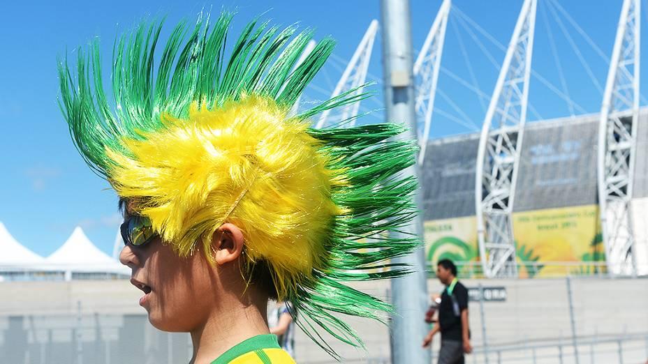 Torcedor brasileiro chega ao Castelão para a partida entre Brasil e México, pela Copa das Confederações