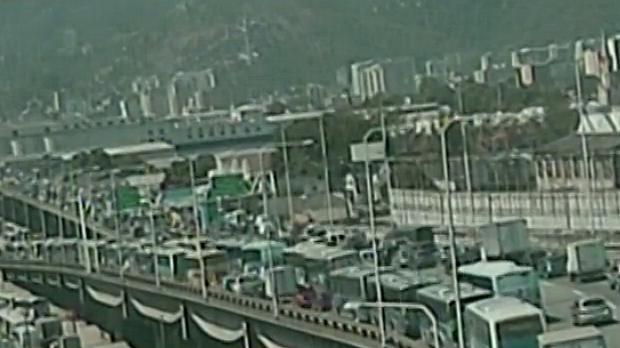 transito-lento-na-saida-da-ponte-rio-niteroi-original.jpeg
