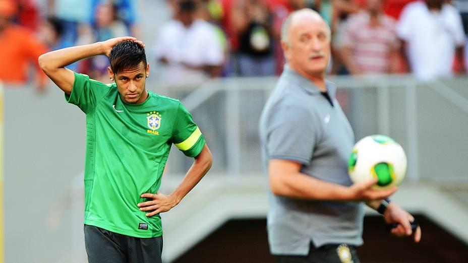 Neymar durante treino da seleção brasileira em Brasília, em 14/06/2013