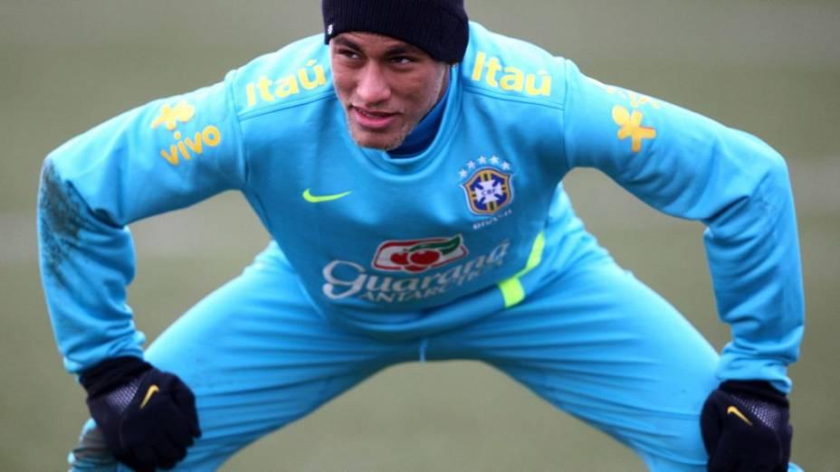 Neymar no treino da seleção antes do amistoso contra a Inglaterra, reestreia de Felipão como técnico do time