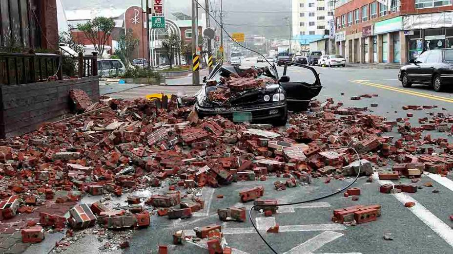 Destruição na Coreia do Sul após tufão Bolaven atingir o país