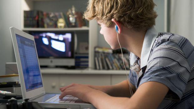 tv-computador-crianca-20132910-original.jpeg