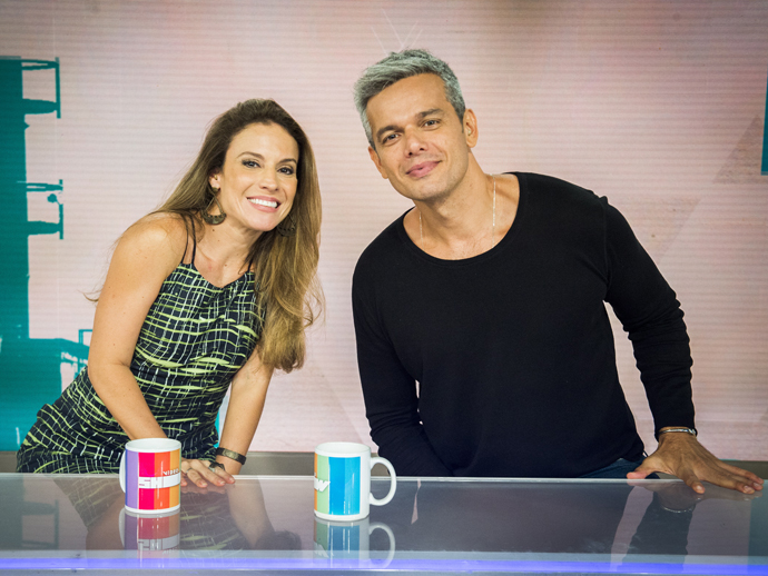 Maíra Charken se junta a Otaviano Costa na bancada do Vídeo Show