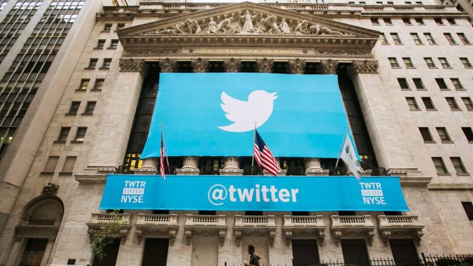 Bolsa de Nova York com o logo do Twitter