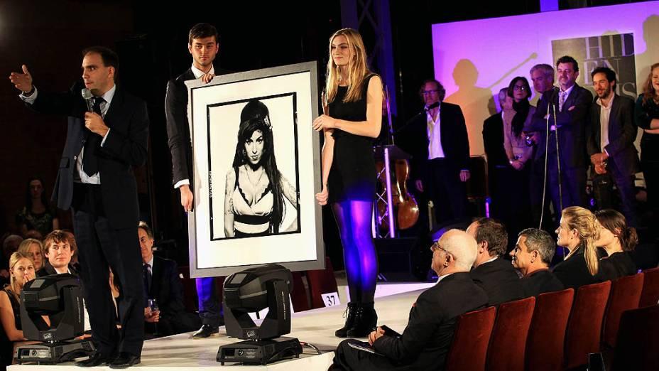 Fotografia de Amy Winehouse feita por Terry ONeil é leiloada em Londres após a morte da cantora