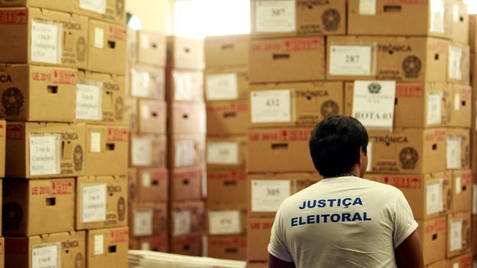 As urnas eletrônicas que serão utilizadas na votação deste domingo (07), em Belém
