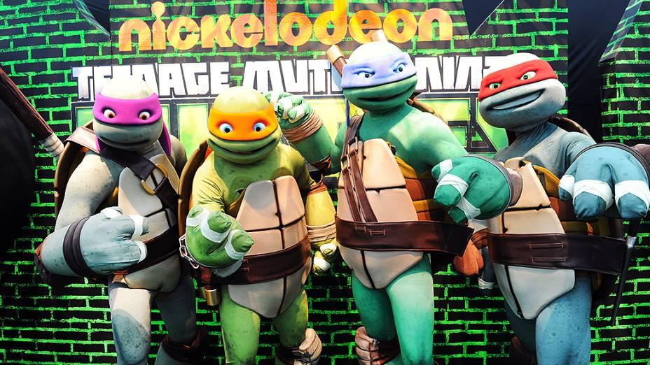 Personagens da série de TV Tartarugas Ninja durante a Comic Con 2013