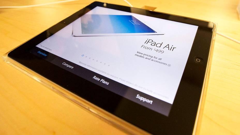 Display do novo Ipad Air dentro da Apple Store na Quinta Avenida, em Nova York