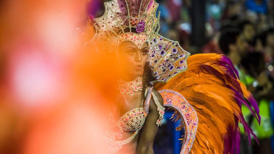 Desfile da escola de samba Vila Isabel pelo grupo especial, na Marquês de Sapucaí no Rio de Janeiro (RJ), na madrugada desta terça-feira (04)