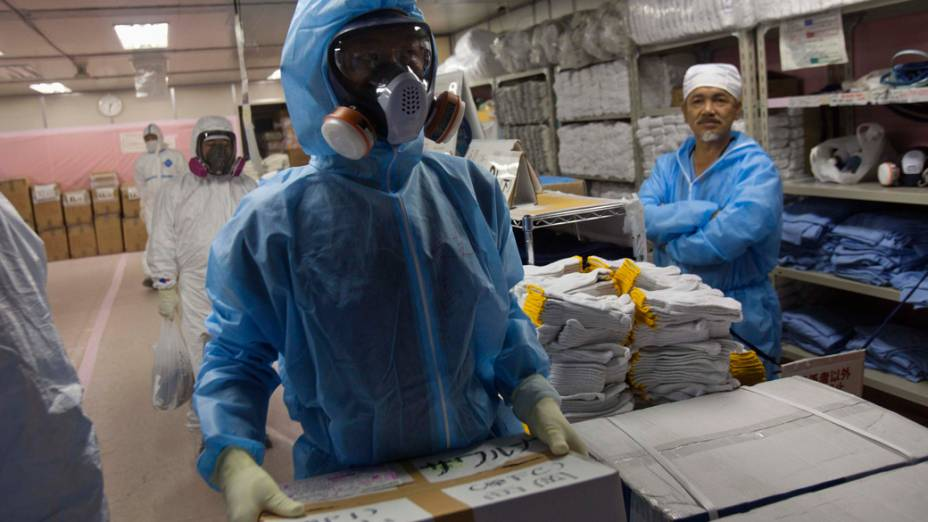 Trabalhadores da usina nuclear de Fukushima, no Japão