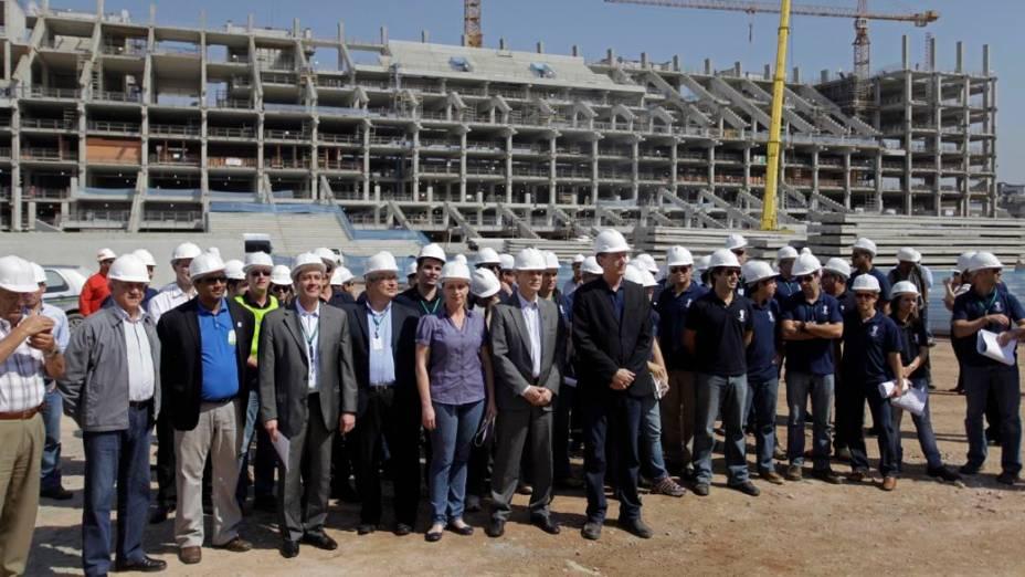 Visita de integrantes da Fifa e do Comitê Organizador Local da Copa de 2014 ao Itaquerão, em São Paulo; a menos de dois anos da abertura do Mundial, que acontecerá na futura arena do Corinthians, as obras estão chegando à metade de sua conclusão