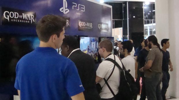 Visitantes testam novo jogo da série God of War