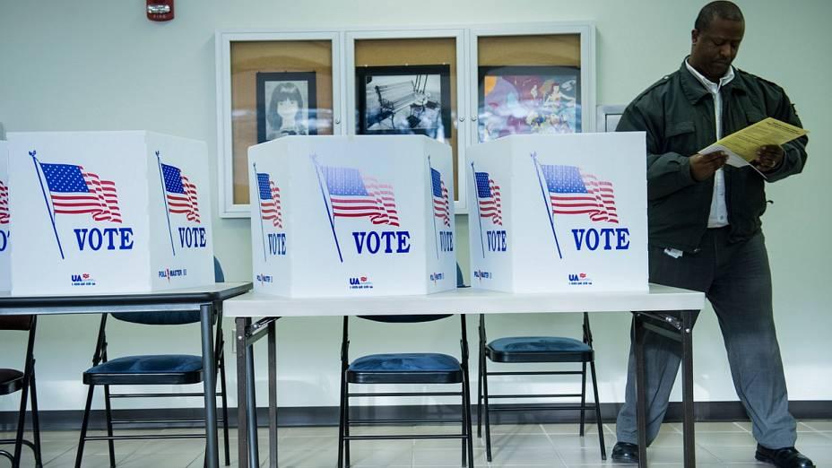 Eleitor aproveita último dia antes da eleição para votar com antecedência em Ohio