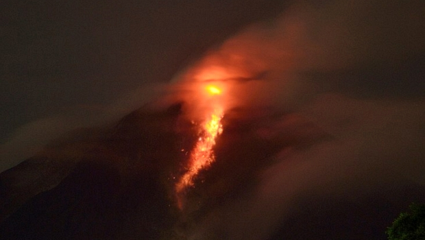<p>Vulcão fica localizado no Monte Sinabung, na Ilha de Sumatra, na Indonésia</p>