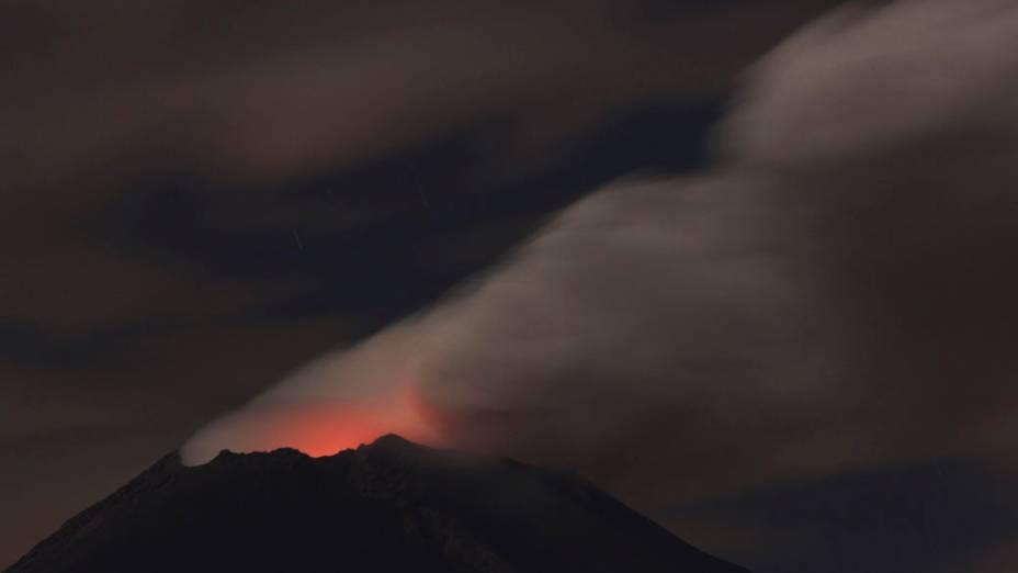 <p>O vulcão Popocatepéti na região do estado de Puebla, México deixou as autoridades mexicanas em alerta essa semana após apresentar intensa atividade</p>