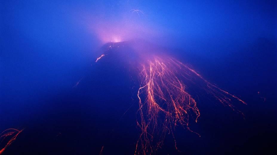 """<p>O monte Arenal, na Costa Rica também é conhecido como """"Pan de Azúcar"""" ou """"Canaste"""". É considerado um vulcão jovem com aproximadamente 7000 anos</p>"""