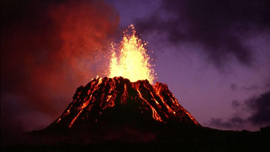 <p>Vulcão Kilauea no Havaí, Estados Unidos</p>