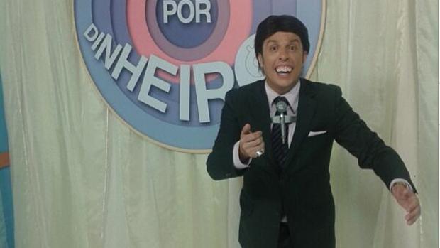 Wellington Muniz, o Ceará do Pânico, vestido de Silvio Santos