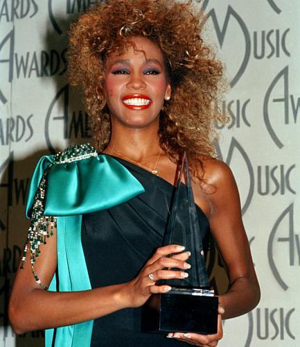 Whitney Houston foi a vencedora do American Music Award de 1986.