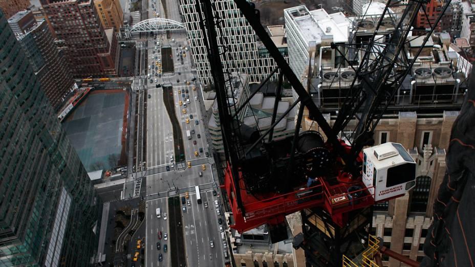 Visão de Manhattan a partir da construção da torre One World Trade Center em Nova York