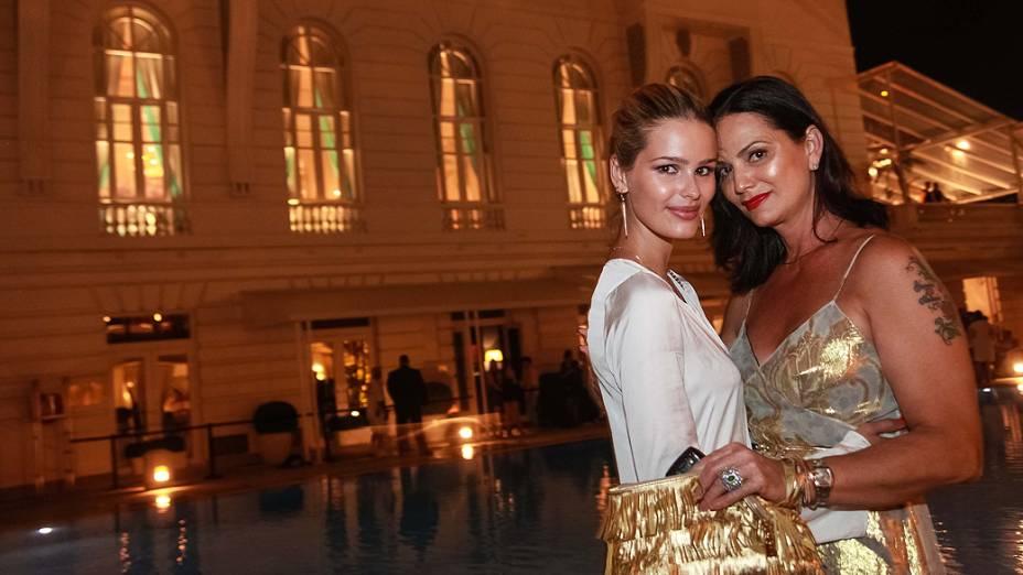 Yasmin e Luiza Brunet durante a reinauguração Copacabana Palace no Rio de Janeiro
