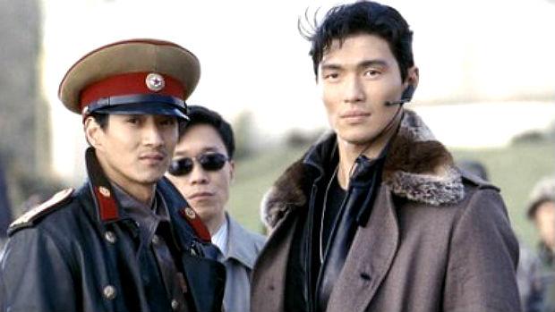 Rick Yune (que é americano, mas descendente de coreanos) em cena de <em>007 - Um Novo Dia Para Morrer</em>