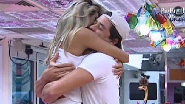 Fael e Fabiana comemoram estar na final