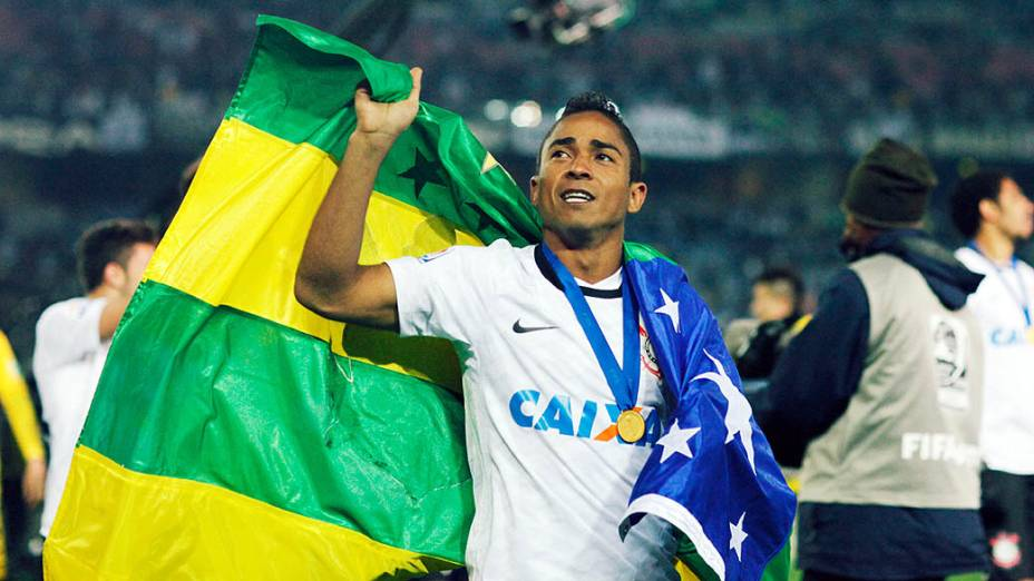 Jorge Henrique do Corinthians comemorando a vitória contra o Chelsea, durante partida válida pela final do Campeonato Mundial de Clubes da Fifa, em Yokohama