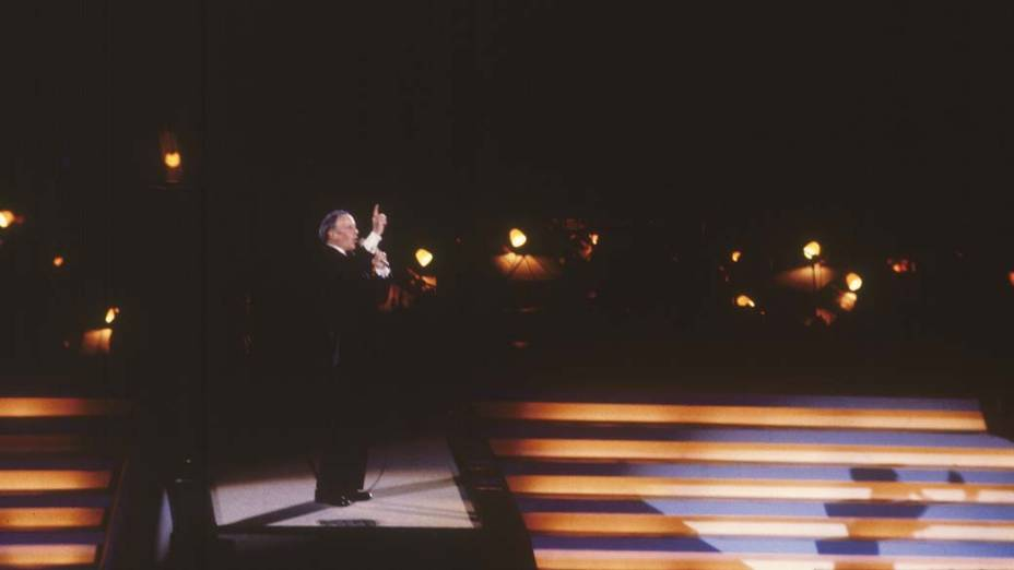 O cantor Frank Sinatra realizou um show no Maracanã em 1980