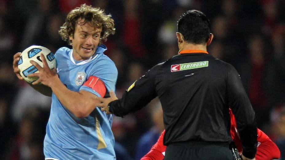 O zagueiro Diego Lugano, capitão da seleção uruguaia