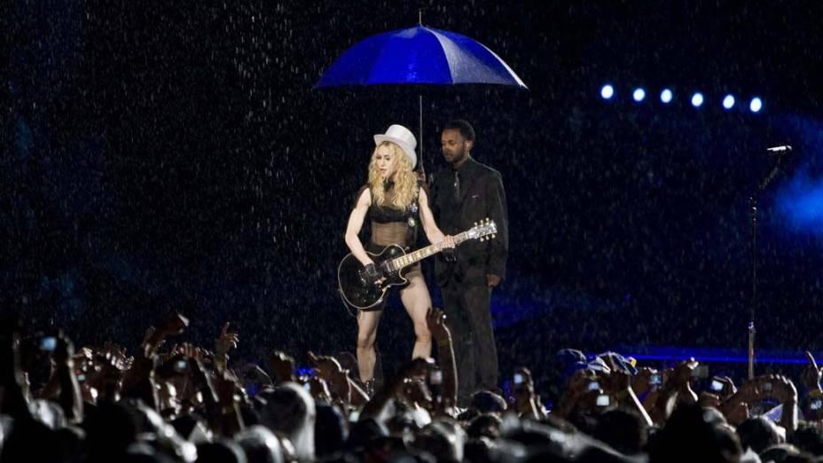 Em 2008, Madonna apresentou o show de sua turnê Sticky and Sweet Tour no Maracanã
