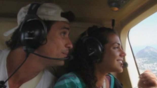Fael e Noemi em passeio de helicóptero em 18/03/2012