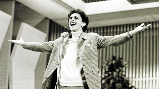 Caetano Veloso defende Alegria Alegria na final do festival de 1967