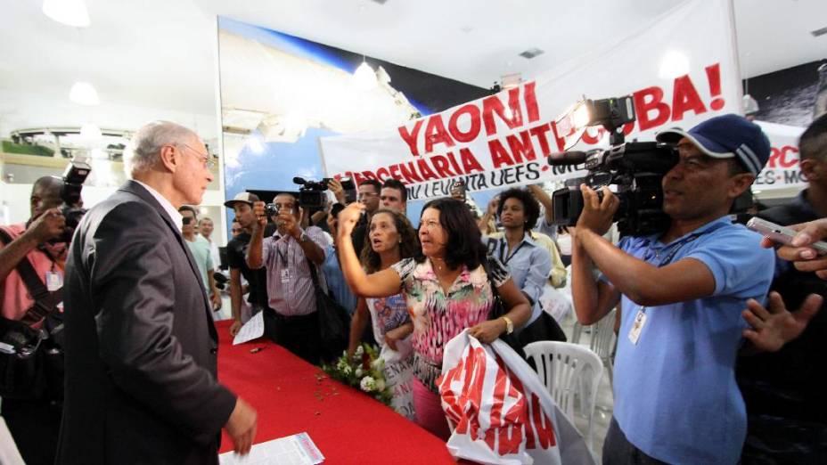 Manifestantes impedem exibição do filme com a presença da blogueira Yoani Sánchez