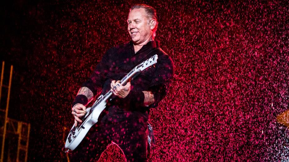 Metallica se apresenta em São Paulo no estádio do Morumbi