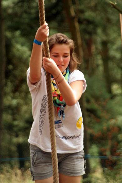 Escoteira brasileira durante o 22º Acampamento Mundial Escoteiro, na Suécia. Com 814 escoteiros, esta foi a a segunda maior delegação brasileira da história