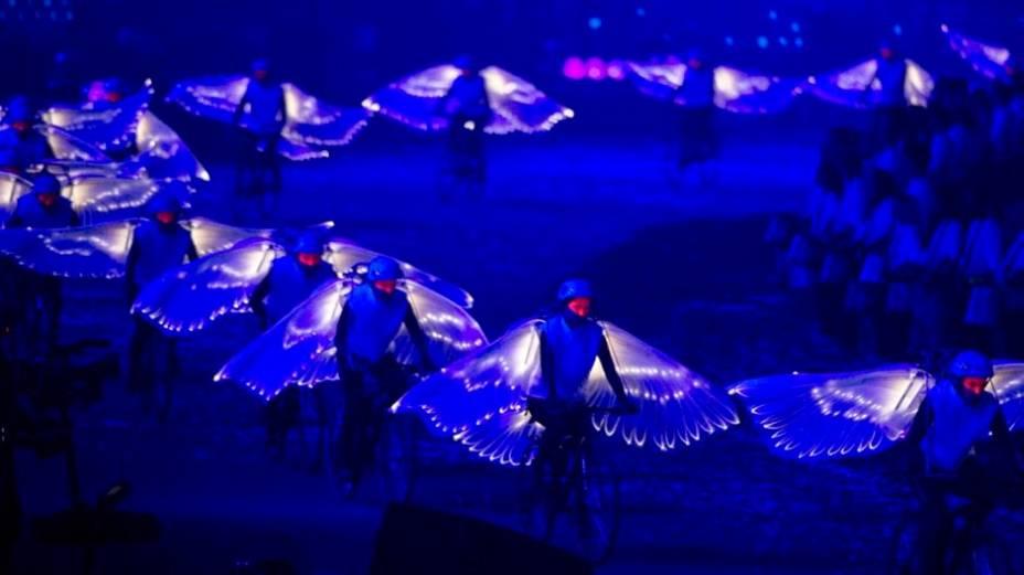 Cena da festa de abertura, no Estádio Olímpico