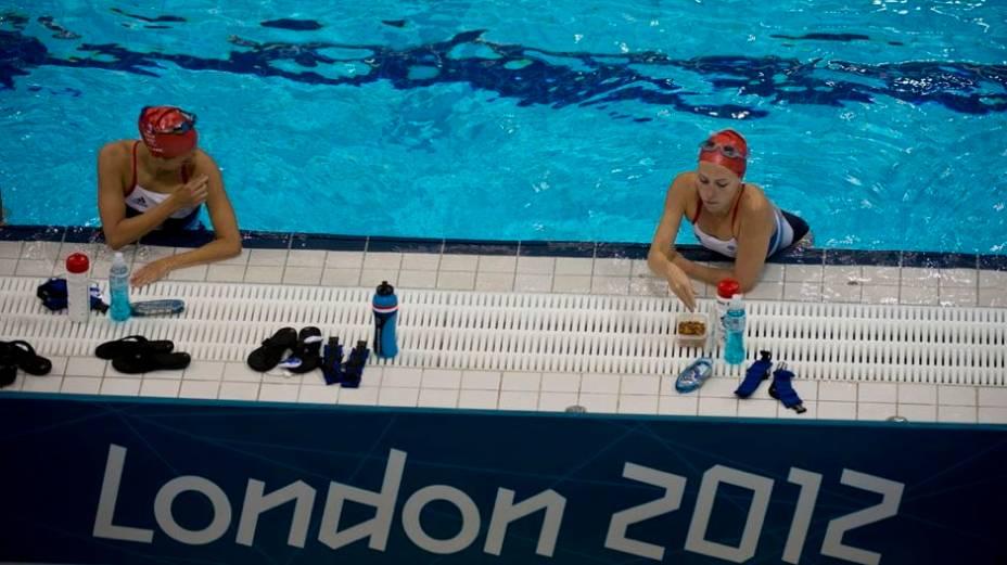 Treino de nado sincronizado no Centro Aquático do Parque Olímpico de Londres 2012
