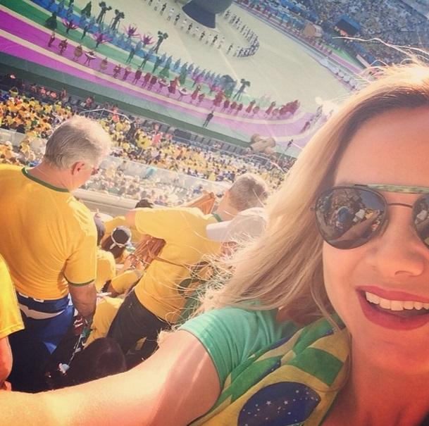 A apresentadora Eliana na Arena Cortinhians, na abertura dos jogos da Copa do Mundo 2014.