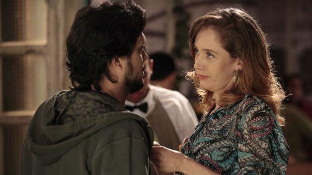 A atriz Camila Morgado vive lésbica em A Grande Família, da Globo