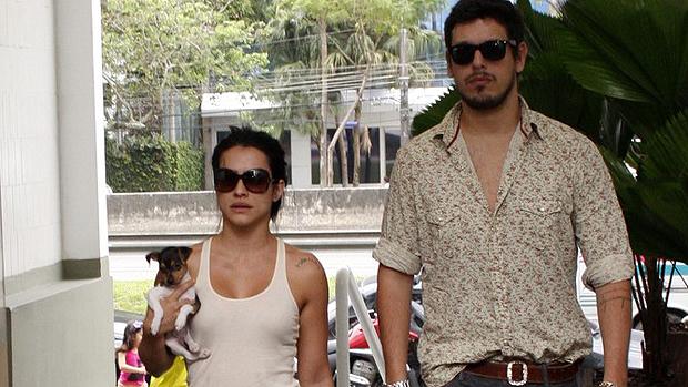 a-atriz-cleo-pires-foi-votar-com-namorado-joao-vicente-de-castro-em-sao-conrado-rio-de-janeiro-original.jpeg