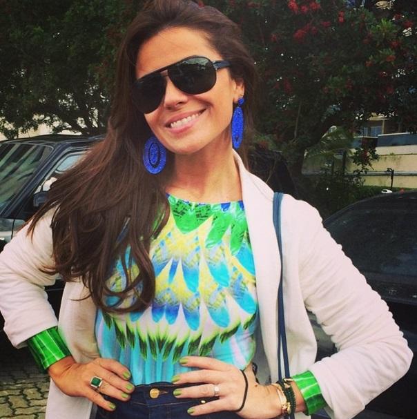 A atriz Giovanna Antonelli exibe look para torcer pelo Brasil na Copa do Mundo 2014.