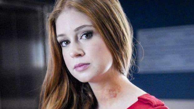 A atriz Marina Ruy Barbosa como Nicole, a menina rica e solitária que luta contra um câncer em Amor à Vida
