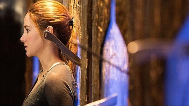 A atriz Shailene Woodley em cena do filme Divergente