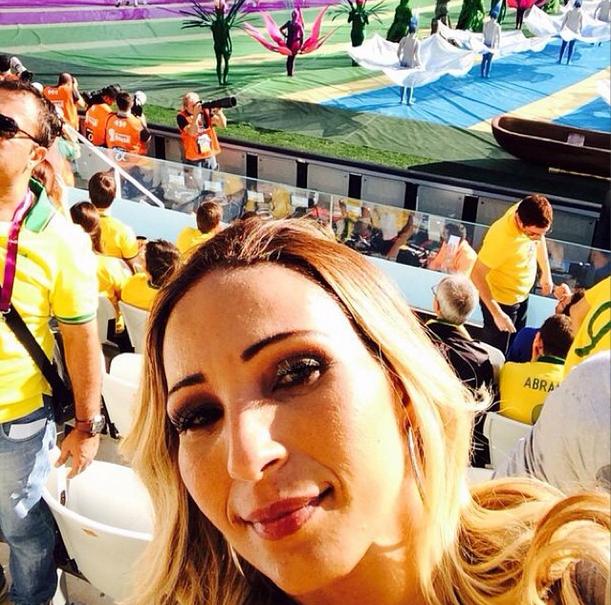 A funkeira Valesca Popozuda na abertura da Copa do Mundo 2014.