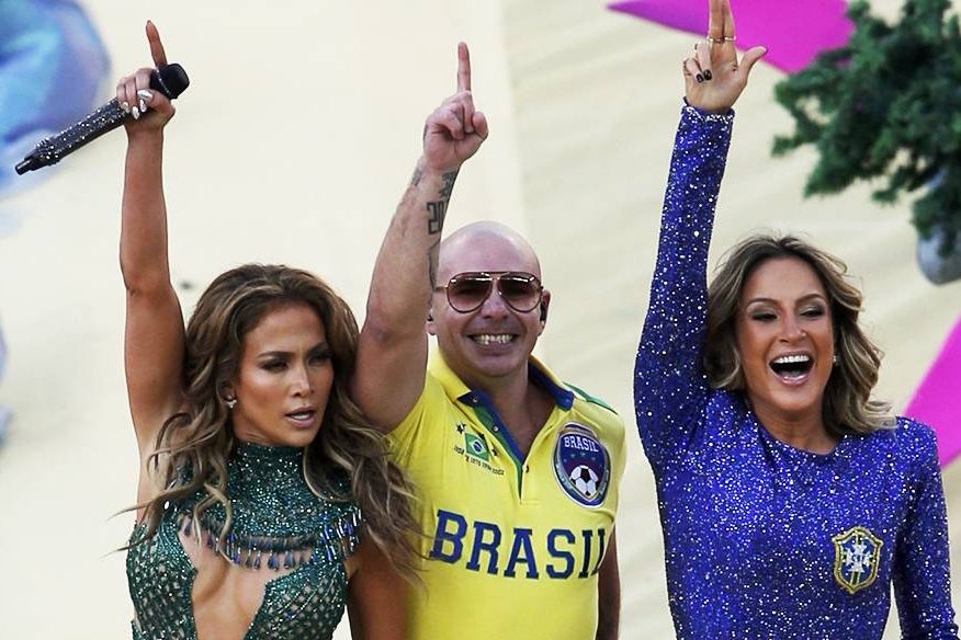Jennifer Lopez, Pitbull e Claudia Leitte durante a cerimônia de abertura da Copa do Mundo no Itaquerão, em São Paulo