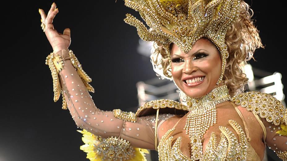 Eliane Berreta, rainha de bateria da Acadêmicos do Tatupé, no primeiro dia dos desfiles em São Paulo