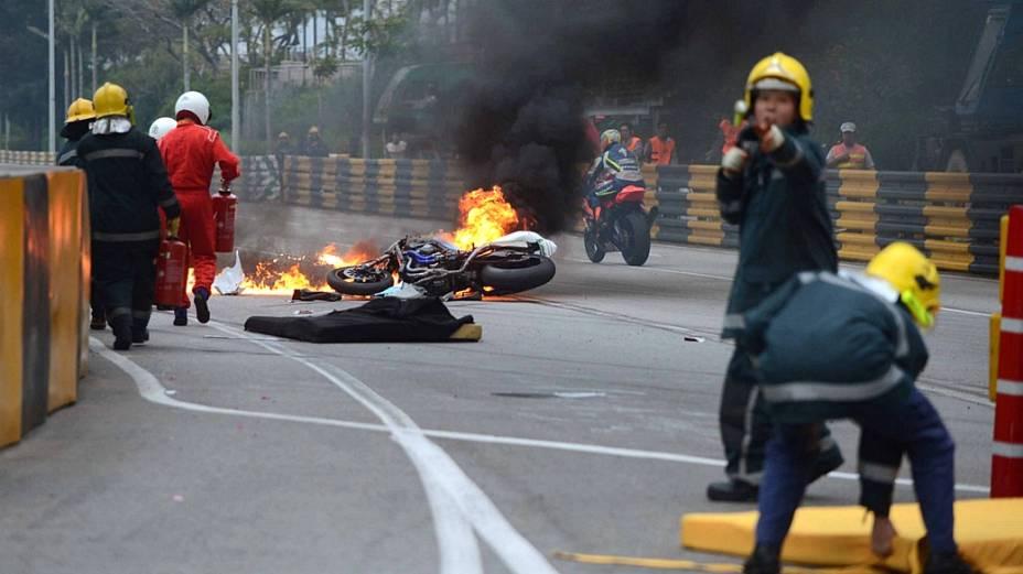 Acidente do piloto português Luis Carreira: foto na motocicleta e morte no hospital