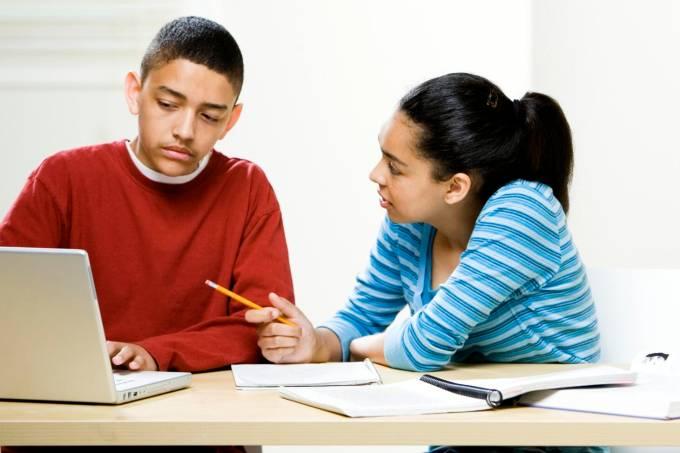 adolescentes-estudando-original.jpeg