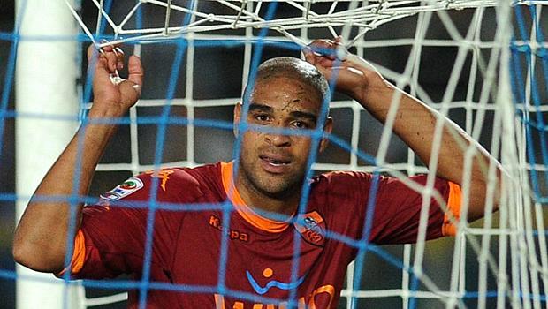 Adriano, atacante da Roma, quase sem fazer gols, em setembro de 2010